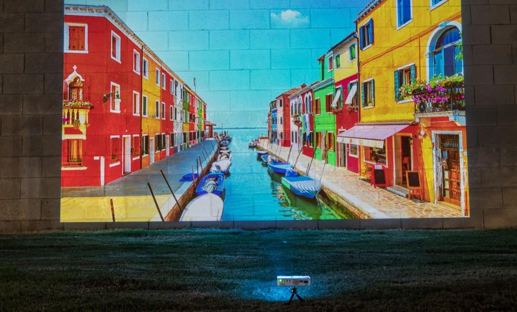 aaxa-p300-neo-outdoors-italian-dock_cropped